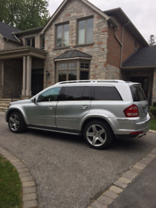 2012 Mercedes-Benz GL550..Low Mileage...PRICE REDUCTION!!