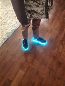 LEDZ light up shoes size 5