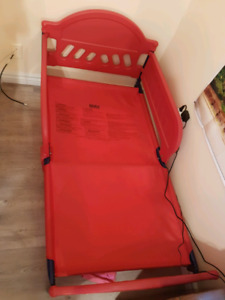 Toddler bed * just the frame *