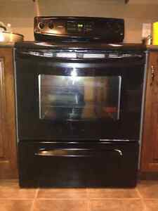 Kenmore Range for sell in very good condition(black)