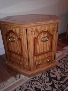2 octagon end tables $20 pair