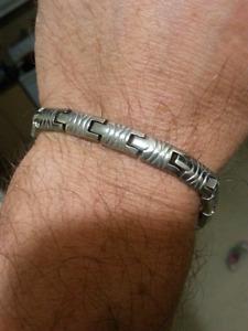 """Heavy Sterling silver 8"""" bracelet."""