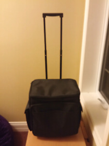 Scrapbooking or Sewing Tote Bag with wheels sac avec roues
