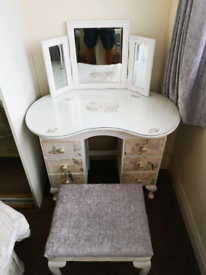 Dressing table for teenager or small adult