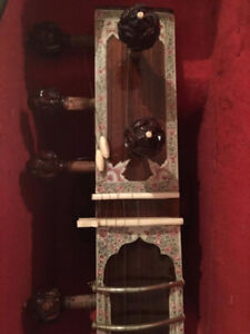 PROFESSIONAL-QUALITY CALCUTTA-STYLE SITAR (MADE IN LUCKNOW)