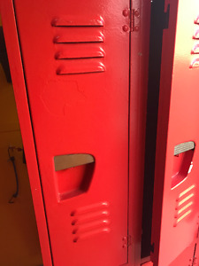 Red Lockers- 6 compartments