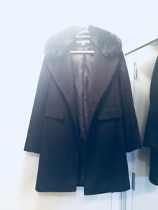 DKNY Black Wool Winter Coat w/ Faux Fur Collar - Size 8