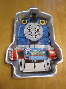 Thomas & Friends Cake Pan and Cake Toppers
