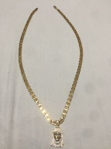 10KT 26 INCH GUCCI LINK GOLD CHAIN W/ ICED OUT JESUS. 2700 OBO