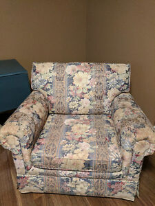 Beautiful couch and matching chair set Comox / Courtenay / Cumberland Comox Valley Area image 3