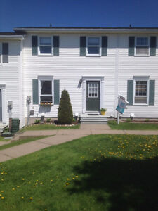 Move in Ready, 3 Bedroom, 1.5 baths, near Irving Nature Park!!