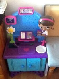 Doc McStuffins play centre and dolls