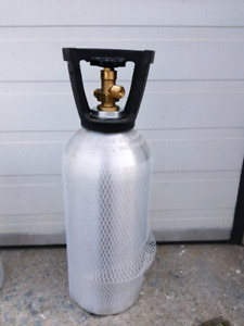 CO2 cylinder for brewing beer