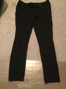 Womens black skinny dress pants size 4