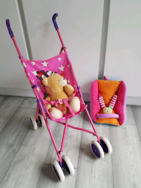 Dolly pushchair and carry pouch