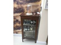 Beautiful vintage mahogany drinks cabinet with glass front