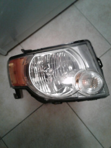 08-12 ESCAPE RT. HEADLIGHT OEM