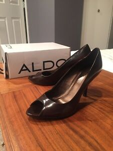 Brown patent stiletto shoes size 8