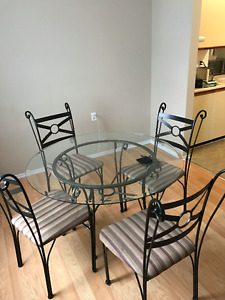 SET OF GLASS DINNING TABLE WITH CHAIRS (4)