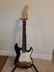 Tobacco Sunburst Fender G-5 Strat in excellent condition!