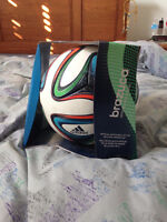 100% OFFICIAL MATCH BALL 2014 WORLD CUP only $40!