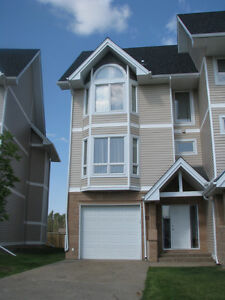 4 beds Unfurnished Townhouse in Wood Buffalo