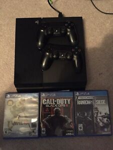 Ps4 and three games two controllers
