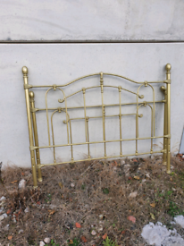 King-Size bed for free