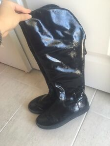 Michael Kors black patent leather winter boots like new 5.5