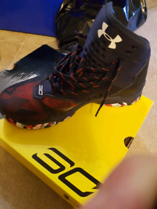 UA curry 2.5 basketball shoes 7.5