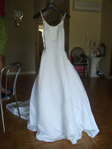 Wedding dress robe de mariee new unaltered size / grandeur 6