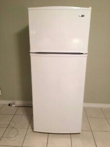 White 18cu.ft. Refrigerator, free delivery