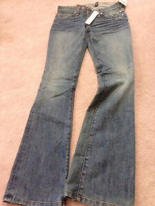 BRAND NEW GUESS JEANS!!