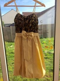 Cocktail dress gold & black roses prom ball races size 14