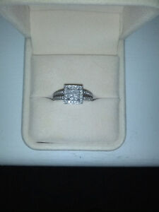 Ladies' 10K White Gold Diamond Ring (Art Deco Style)