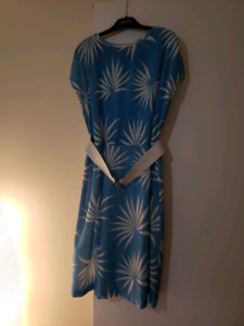 Retro vintage 80s awesome pattern dress with pleats