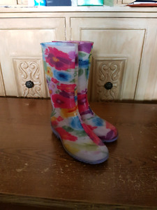 Girls rubber boots size 2