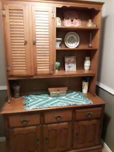 Vilas maple hutch