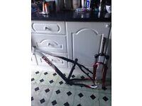 UCC Mountain Bike Frame & Suntour Forks