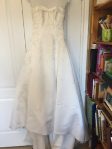 Maggie Sottero Wedding Gown with veil and shoes