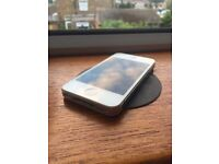 iPhone 4S White 16GB in great working condition. Absolutely no scratches! Locked to EE