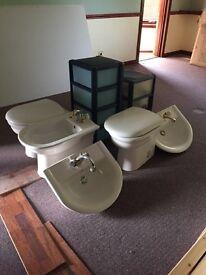 Various bathroom items