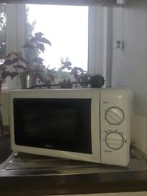 Igenix microwave
