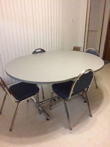 Kitchen/Dining Set