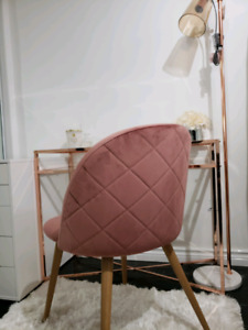 BRAND NEW MUAVE PINK CHAIR!