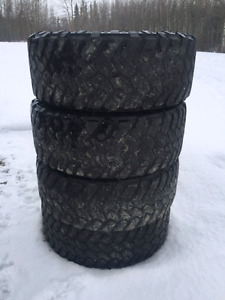 35 12.5 R20 nitto trail grapplers