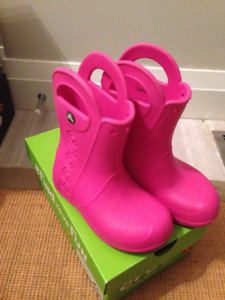 Girls Pink Crocs Rain Boots in Size 11 Excellent Condition