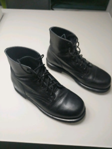 Leather work boots - EXCELLENT condition