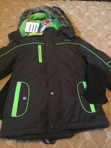 New winter OshKosh boys snowsuit size 8