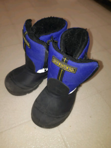 Skechers winter boots size 9 boots